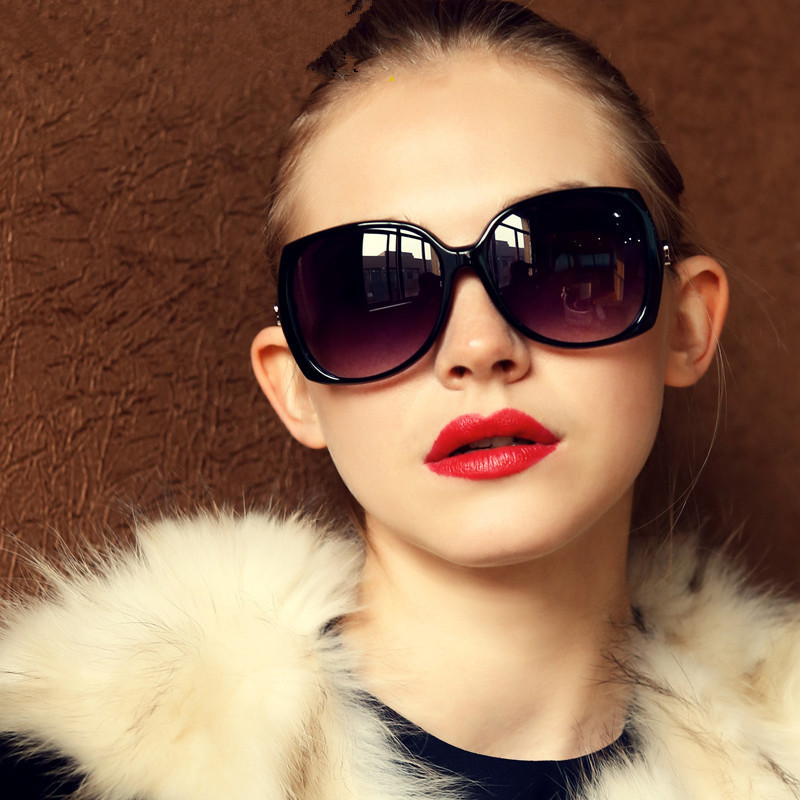dce44409d9 Women s Sunglasses NYC (The Latest Looks from the Most Celebrated ...